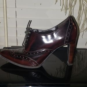 Marc fisher oxfords 3 3/4 inch heels